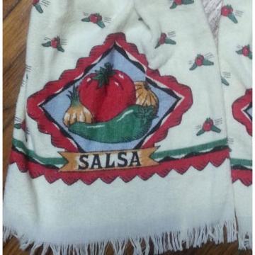 SALSA TOMATO, CHILE PEPPER & GARLIC KITCHEN TOWEL WITH CROCHET CREAM TOP