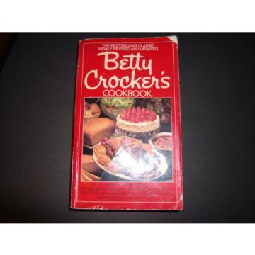 VT Lot of 5 Cookbooks--Fannie Farmer Betty Crocker Fabulous Egg Garlic Bartender