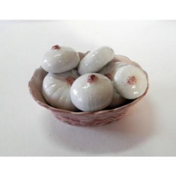 Wonderful Italian Porcelain Basket of Garlic Bulbs Great Colors V Realistic