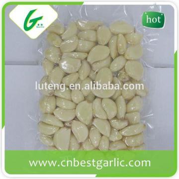 Fresh Clove Peeled Garlic In Bag and Jar