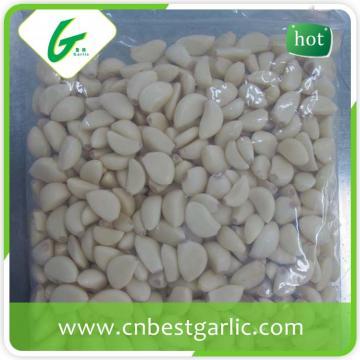 Vacuum packed fresh peeled garlic