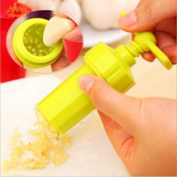 1Pc Ginger Garlic Press Twist Crusher Grinding Blenders Peeler Kitchen Tools