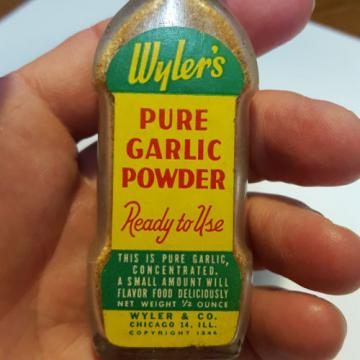 Vintage Glass Wyler's Pure Garlic Powder Spice Bottle Unopened Great Color Label