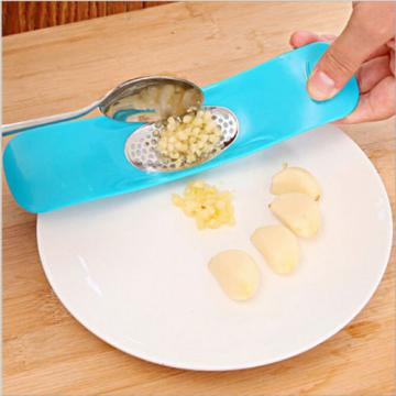 1Pc Gadget Kitchen Garlic Press Garlic Crusher Chopper Households Accessories
