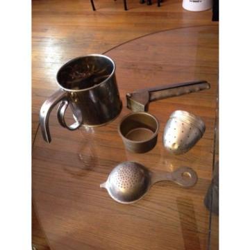 Kitchen-Strainers(3)-Sifter(1)-Garlic Press(1)-Vintage